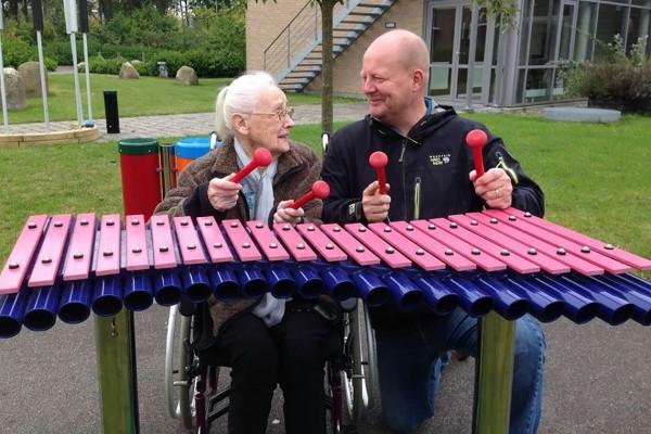 Outdoor-Instrument Duophone, Klangstabspiel für mehrere Personen, zum Einbetonieren