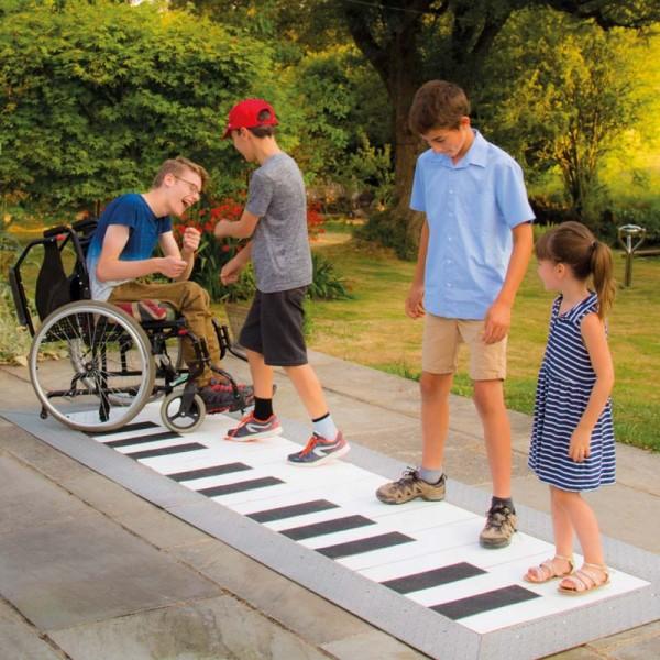 Aussenklangobjekt - Outdoor Floor Piano Grand